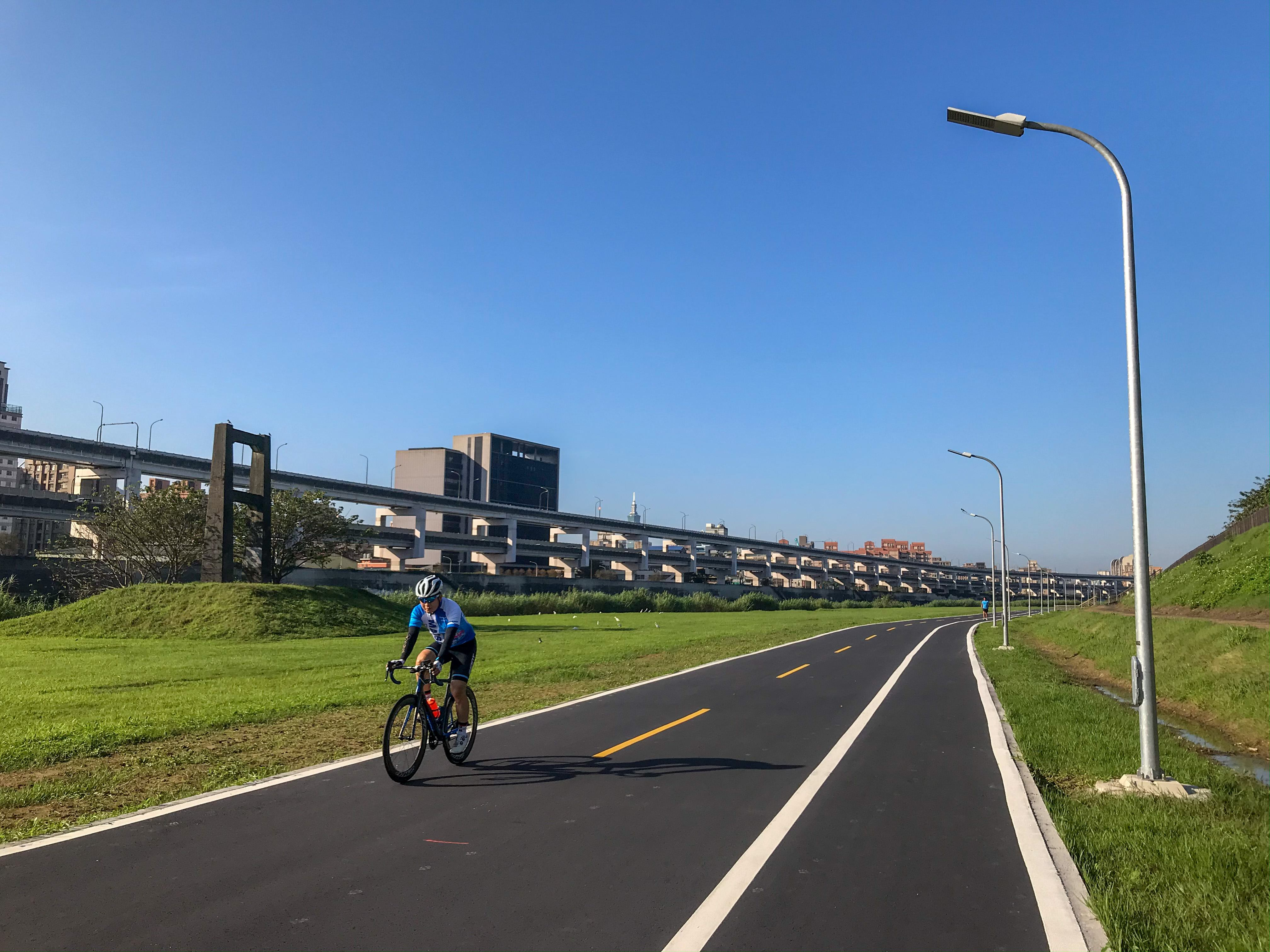 自行車道動線優化 南湖右岸更好騎