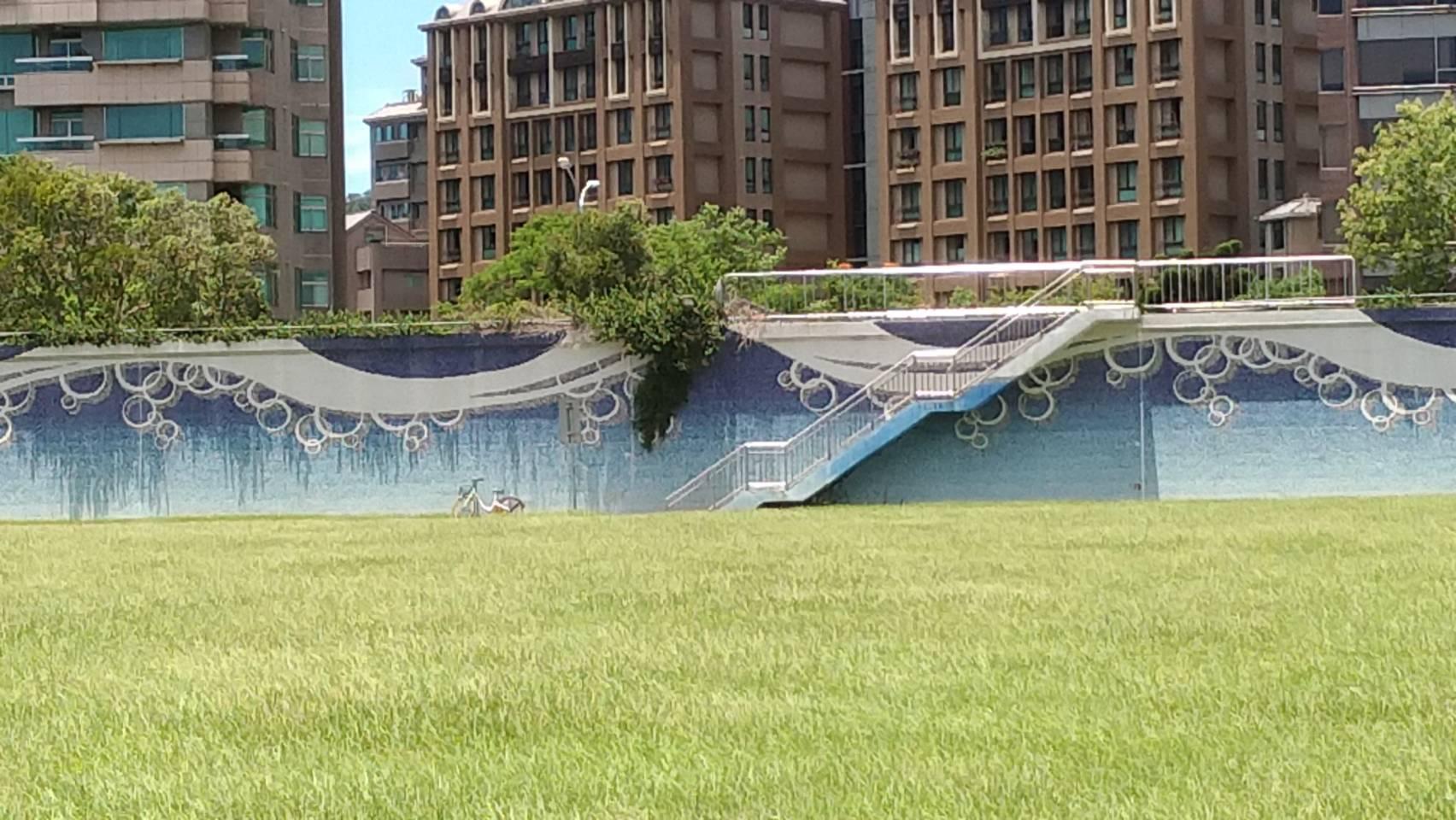河濱公園塗鴉牆