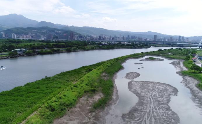 基隆河社子大橋下游