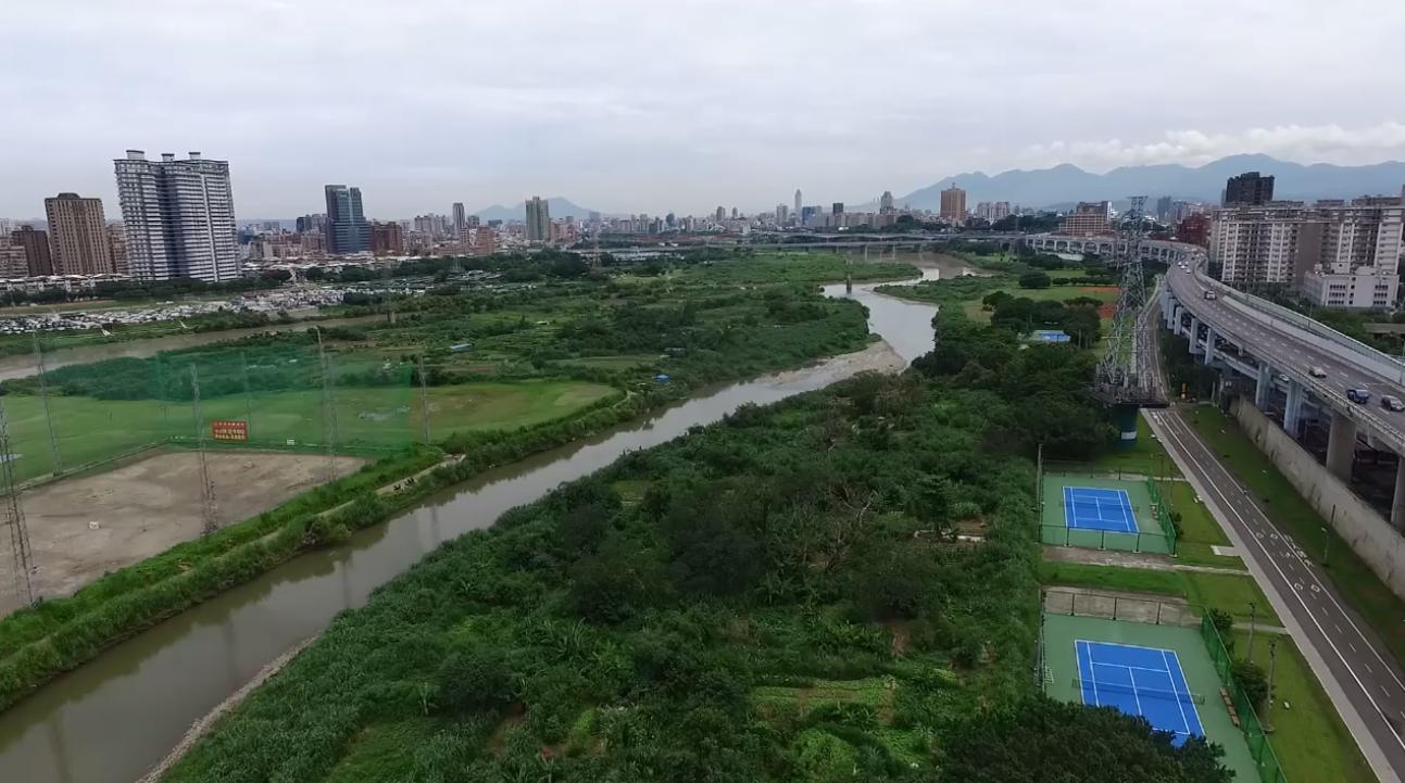 景美溪及新店溪匯流口上游
