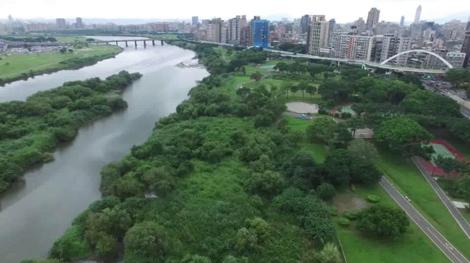 新店溪中正橋上游