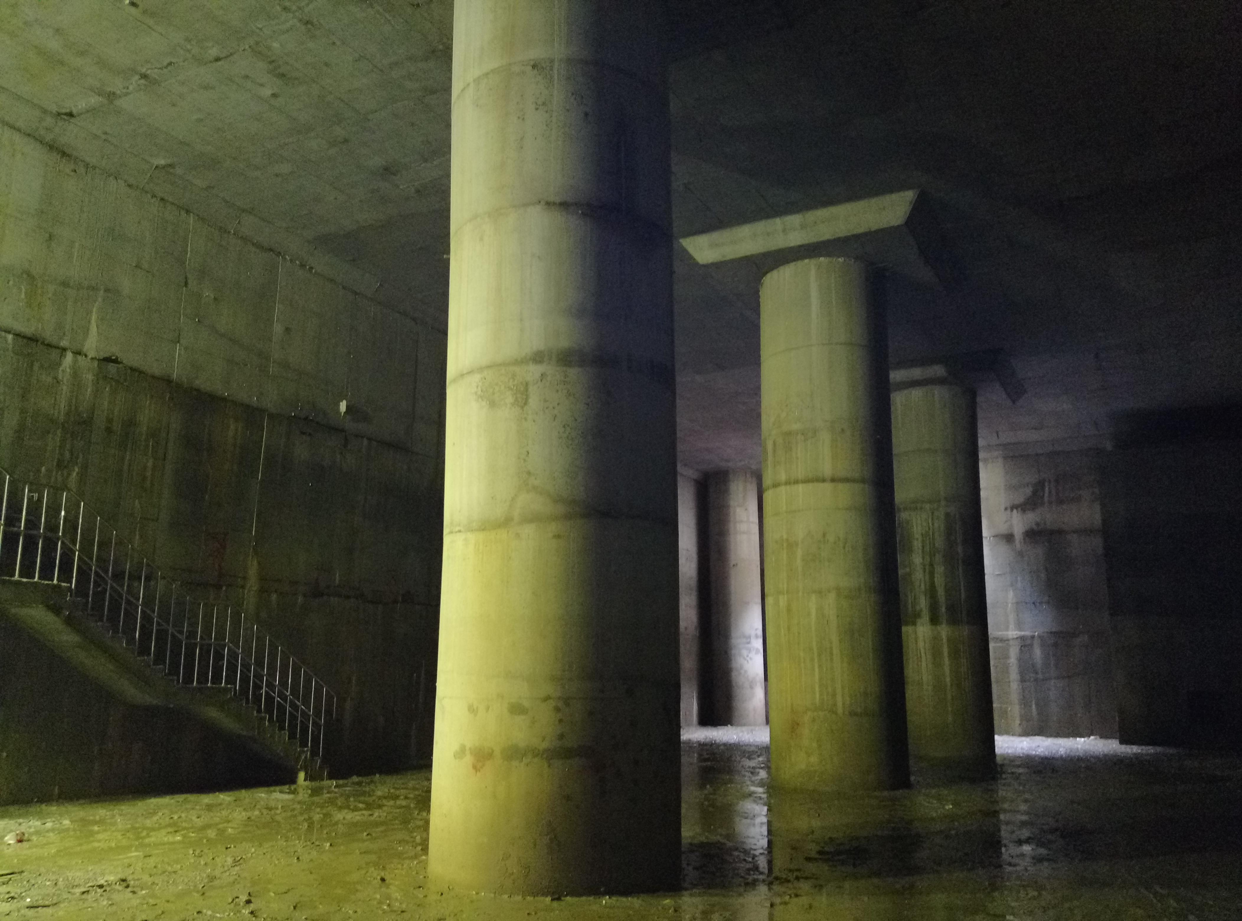 文山運動中心滯洪池內觀